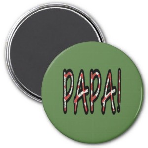 PAPA MAGNET (red argyle with green)
